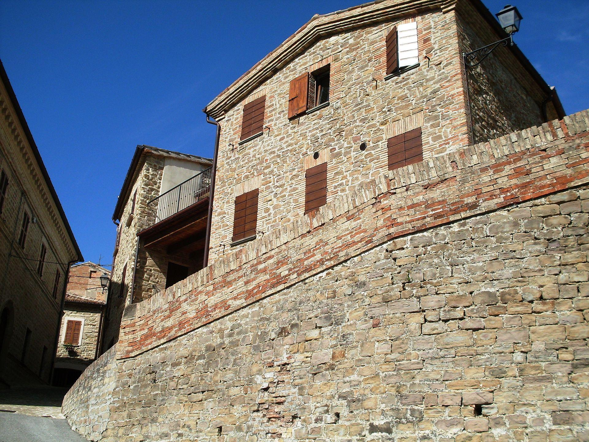 Nidastore, il più piccolo castello di Arcevia
