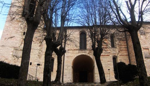 Santa Croce a Sassoferrato, l'abbazia dei misteri