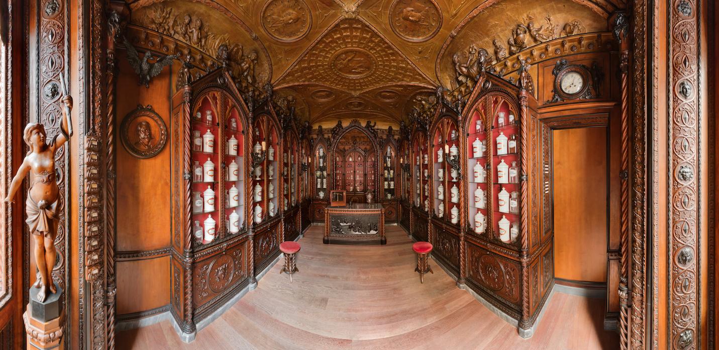 Una farmacia museo a Fabriano