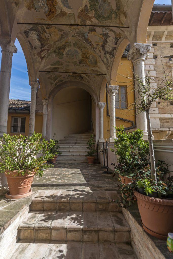 Palazzo dei Priori_1