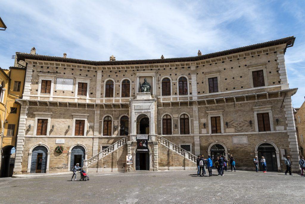 Palazzo dei Priori_3